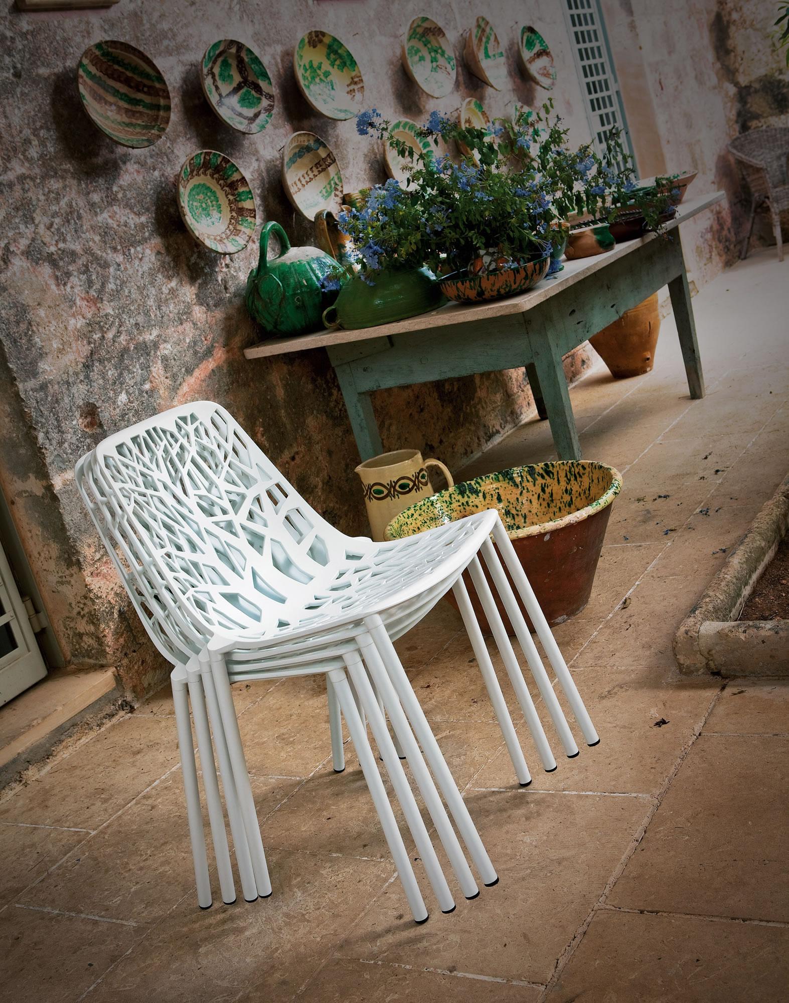 Stoelen Voor Buiten.Fast Tuinmeubelen Italiaans Design Aluminium Tafels En Stoelen