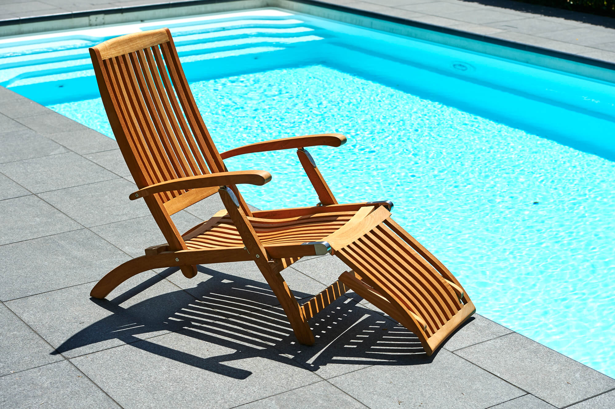 Lounge Stoel Buiten : Traditional teak alexandra deckchair teakhouten loungebed of