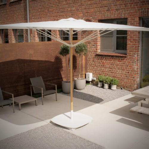 Umbrosa - Legno parasol van Piet Boon - Eerste parasol met afgeronde hoeken