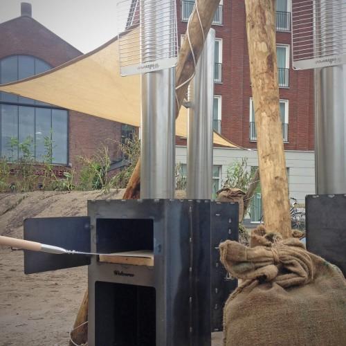 Strandterras - Weltevree Outdooroven met Pizza Shovel - Cortenstalen buitenhaard en kooktoestel in 1