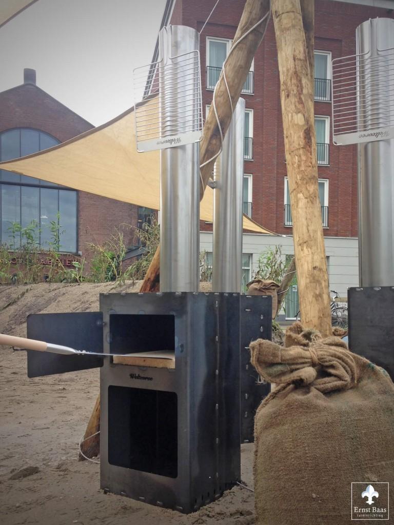 Strandterras weltevree outdooroven met pizza shovel cortenstalen buitenhaard en kooktoestel - Terras teak zwembad ...