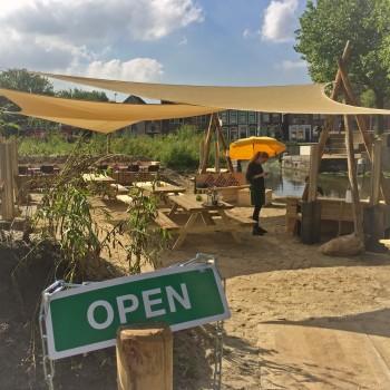 Strandterras van LF Gouda is geopend - Heerlijk genieten van de zon in Gouda