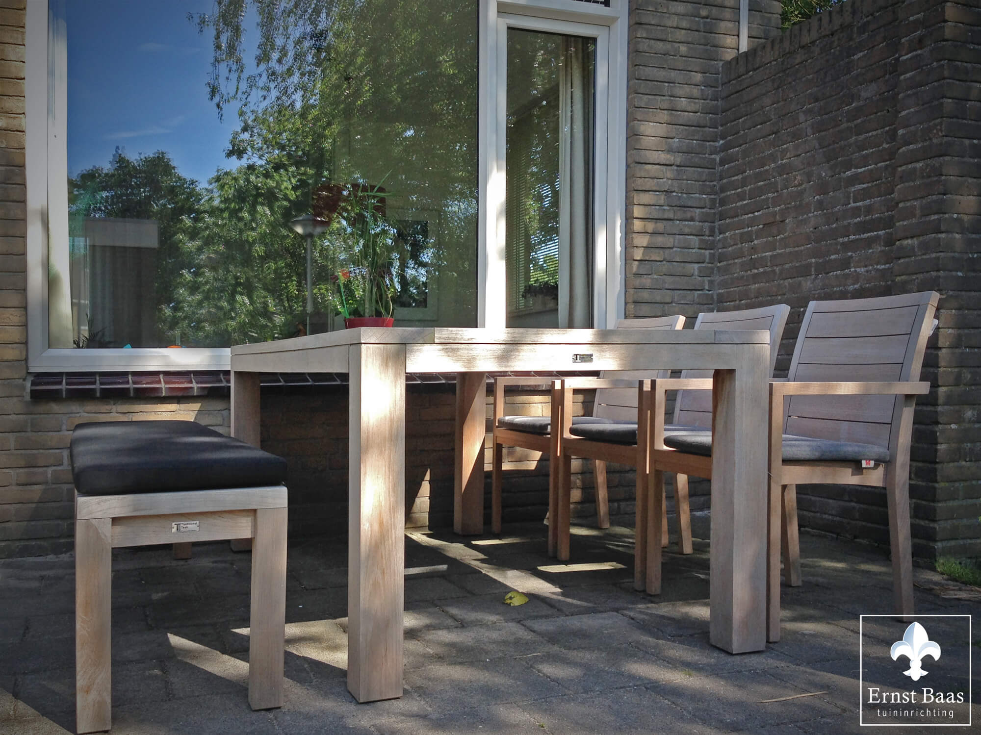 Tuinset Voor Weinig.Luxe Teakhouten Tuinset In Leiden Ernst Baas Tuininrichting