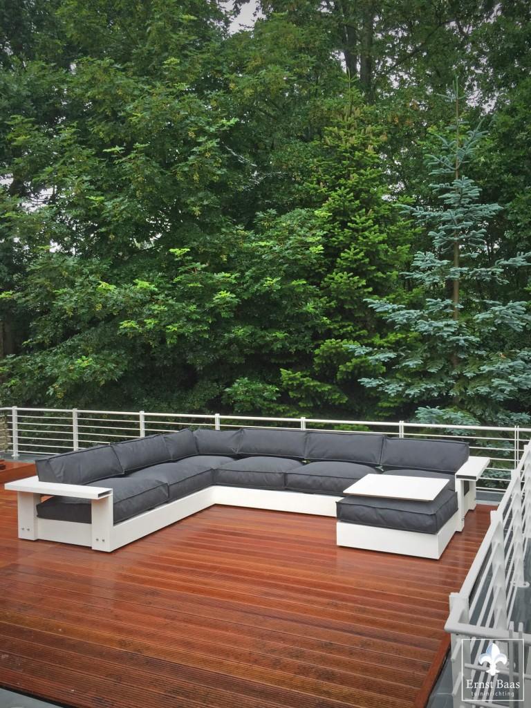 Lofdesign loungebank op hardhouten vlonder luxe buitenmeubels op dakterras omgeving haarlem - Terras teak zwembad ...