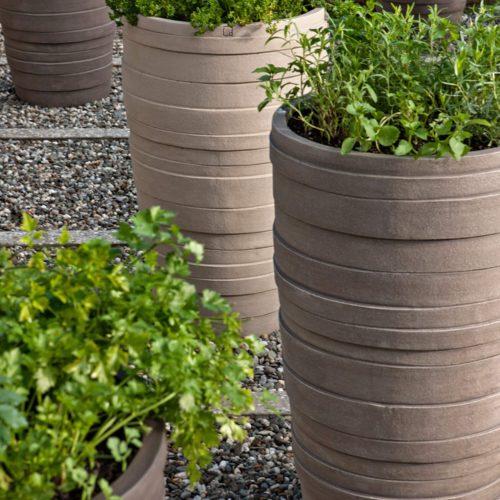 Atelier Vierkant - Pottery met tuin kruiden
