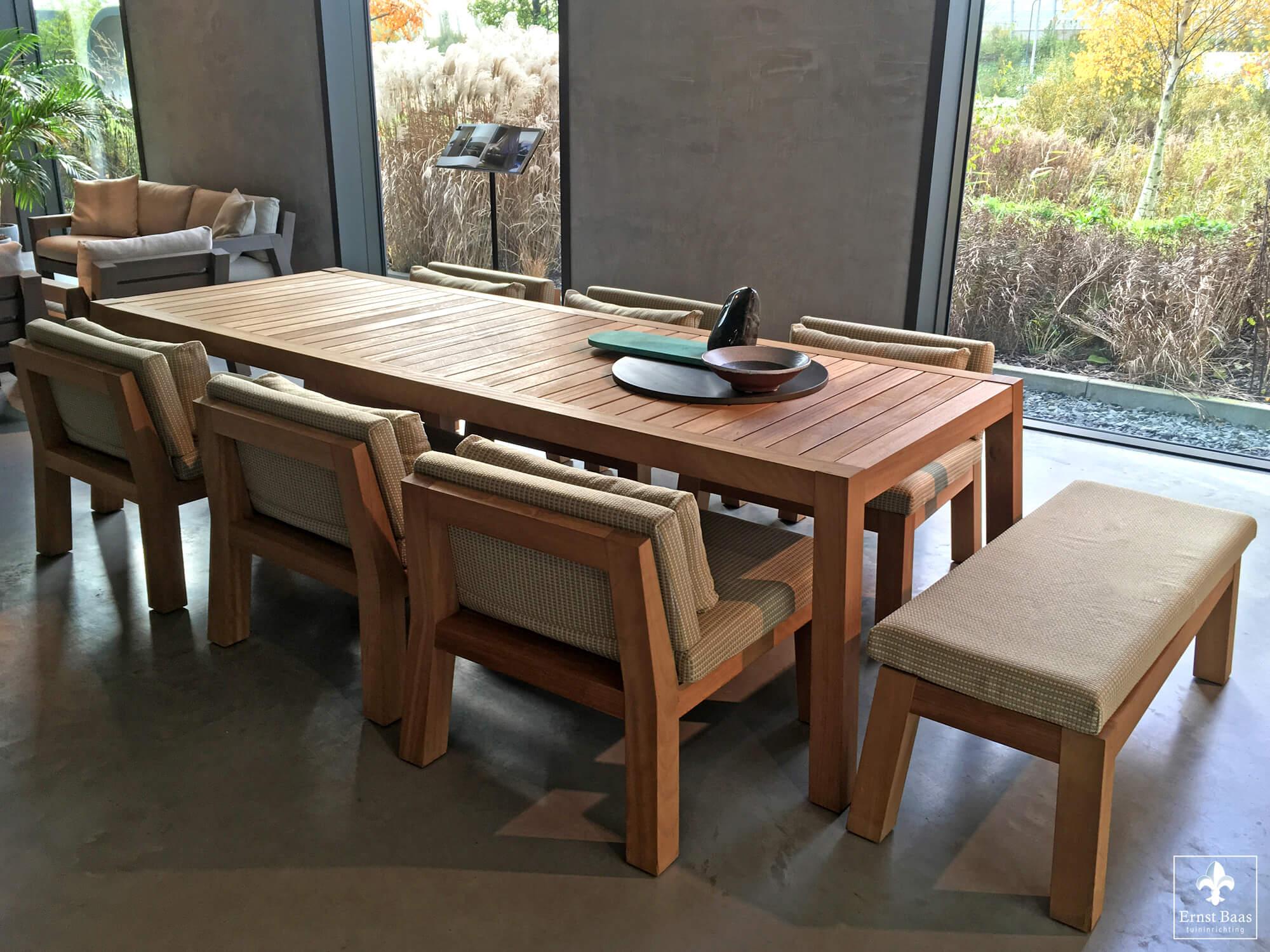 Tafel Anne Piet Boon.Studio Piet Boon Bezoek Ernst Baas Tuininrichting Design