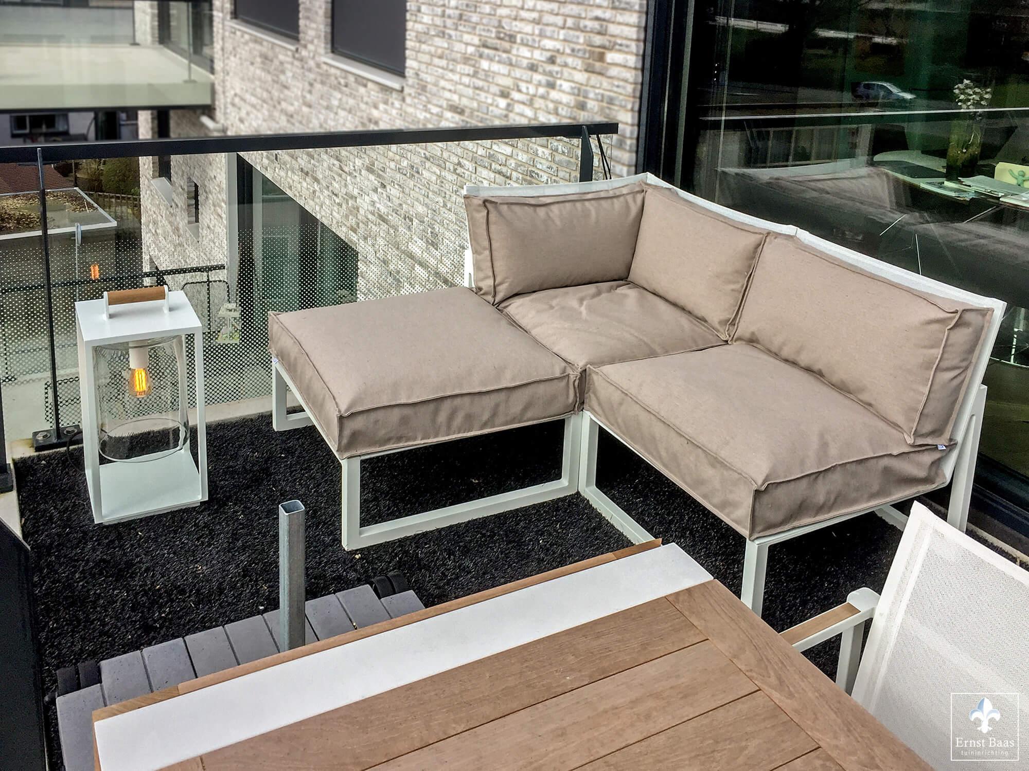 multifunctioneel dakterras in gouda ernst baas tuininrichting design tuinmeubelen. Black Bedroom Furniture Sets. Home Design Ideas