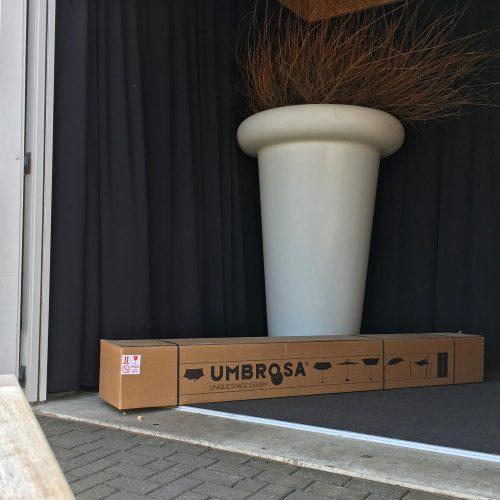 Parasol montage op locatie Klaar voor vertrek - Umbrosa