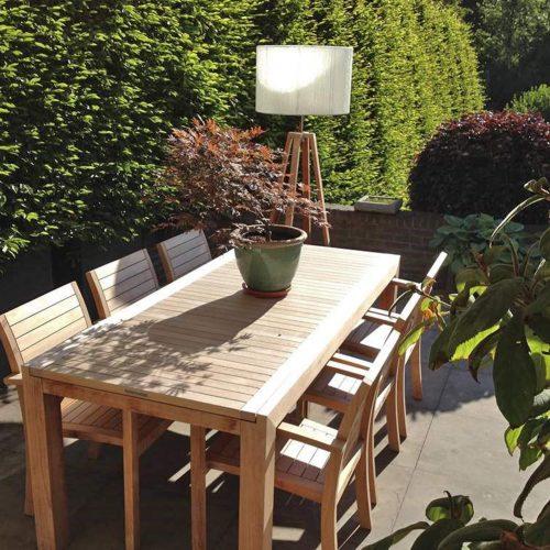 We genieten bijzonder van onze luxe tuinsets. Het zitcomfort aan de eettafel is 'buiten'gewoon! En de Lounge seats nodigen iedere dag weer uit om erin te duiken.