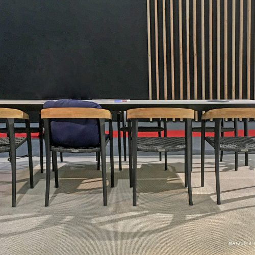 Jive stoel - Nieuwe U-Nite tafel