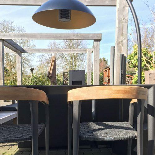 Royal Botania U-nite tafel gecombineerd met Jive stoelen
