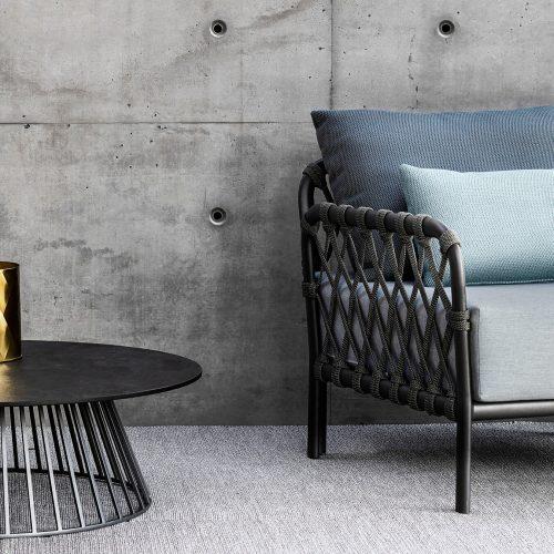 Loungestoel Caro met bijzettafel GRID - Solpuri