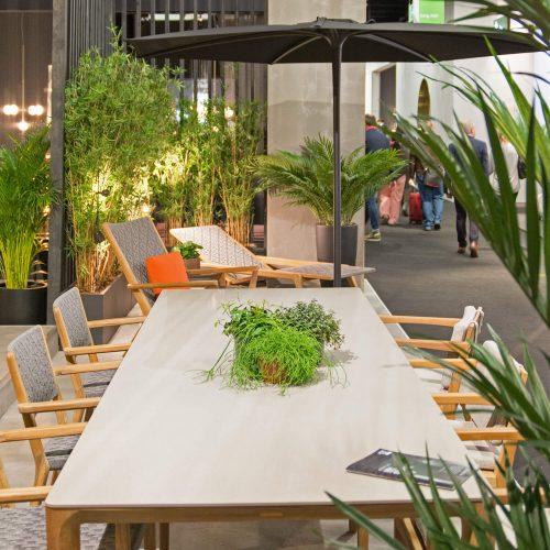 Royal Botania - U Nite tafel Stoel Zenhit Vita