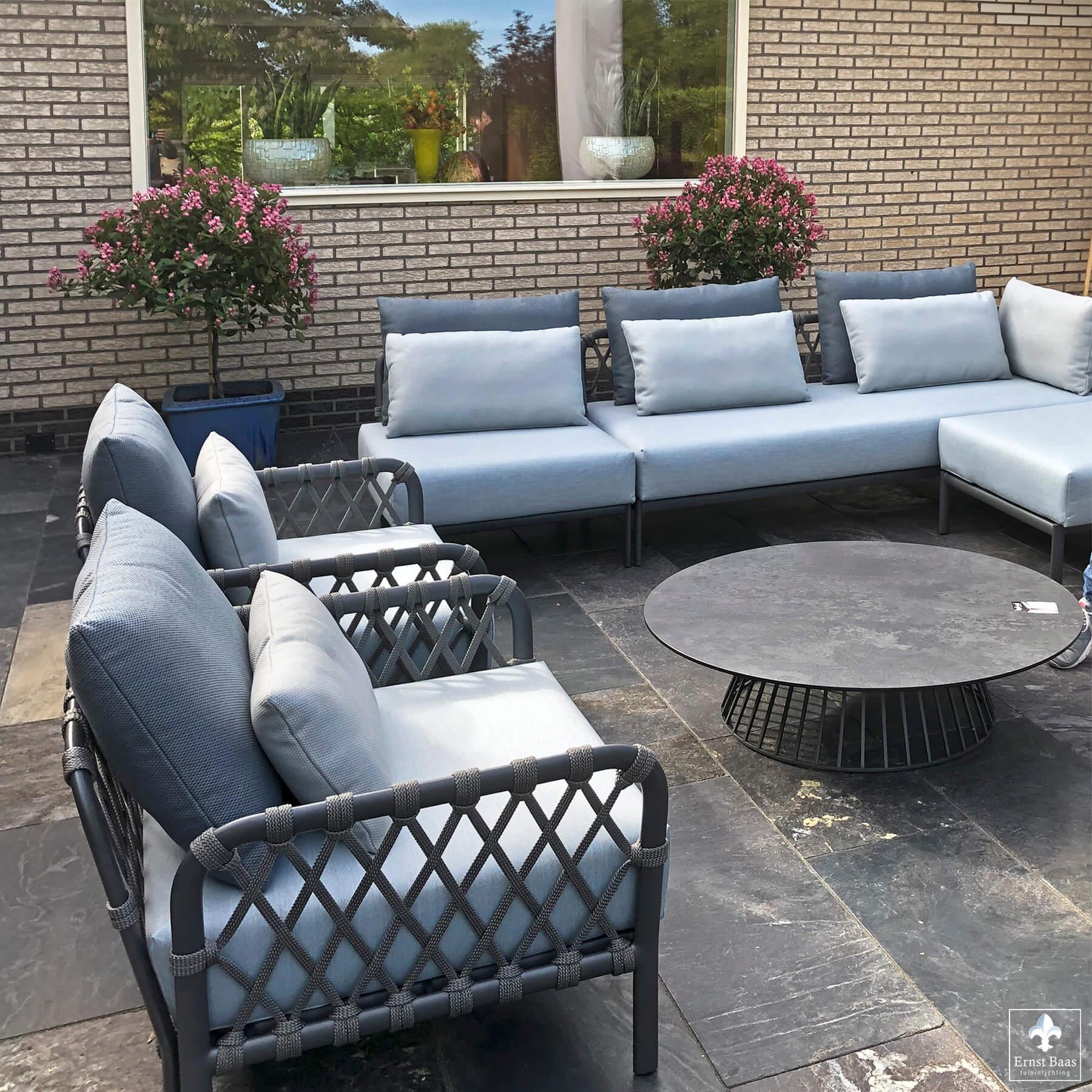 Solpuri Caro lounge serie met Grid tafel