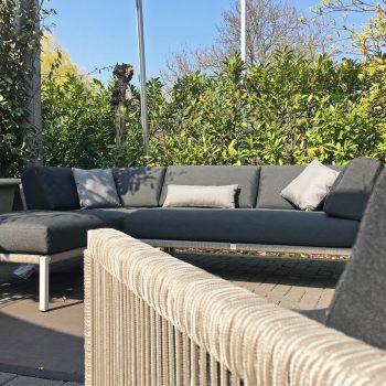Taupe kleurige Solpuri lounge serie