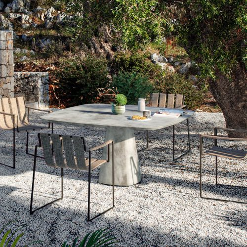 Strappy Diningchair met Conix Royal Botania
